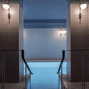 Longuest swimming pool in Paris - Hotel du Rond Point des Champs Elysées