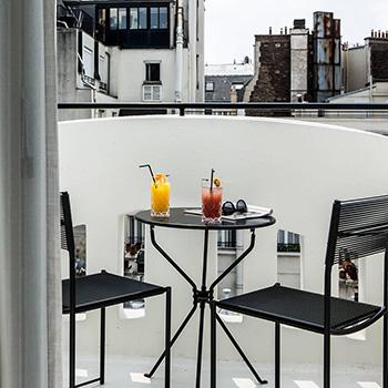 Cocktails in Paris 75008