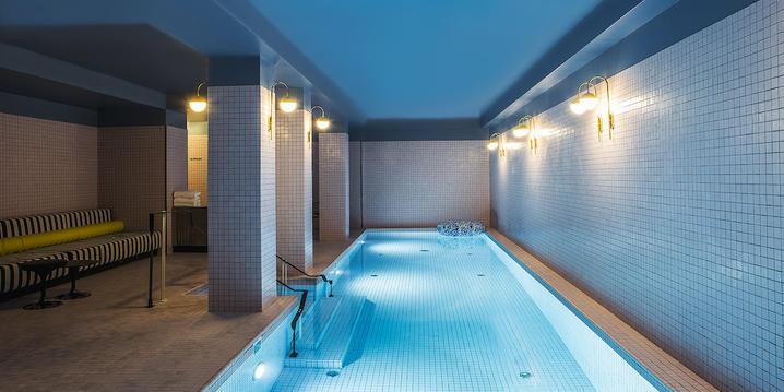 piscine hotel du rond point des champs Elysées paris